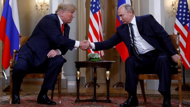 Donald Trump y Vladimir Putin, en la cumbre bilateral que celebraron en Helsinki (Finlandia) el pasado 16 de julio