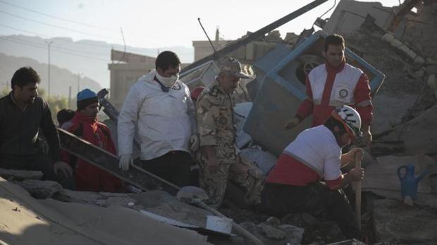 Foto de archivo de un terremoto que causó al menos 530 muertos en la frontera entre Irán e Irak