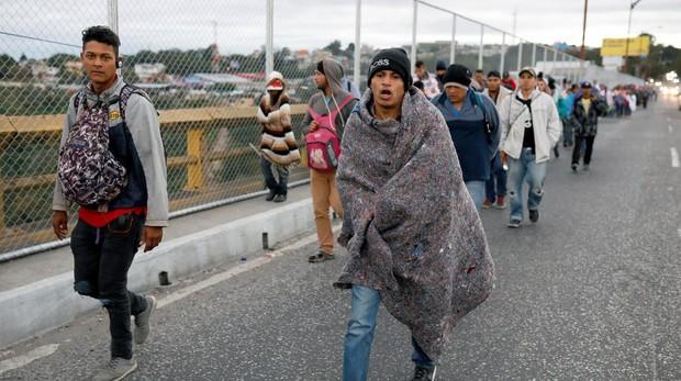 Parte de la caravana que salió de Honduras y que alcanzó la Ciudad de Guatemala