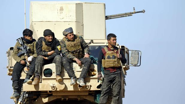 Los combatientes de las Fuerzas Democráticas de Siria en Baghouz
