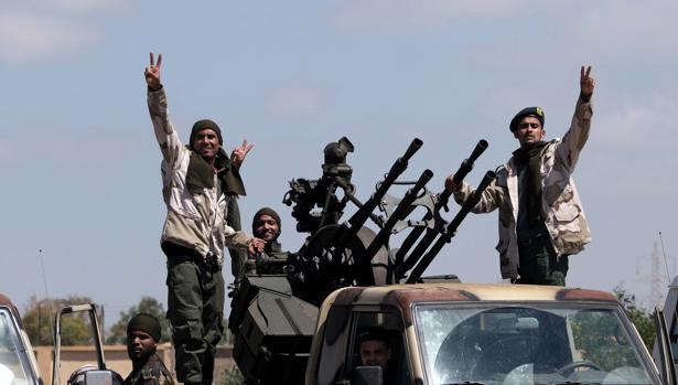 Combatientes del Ejército Nacional Libio, comandados por Jalifa Haftar