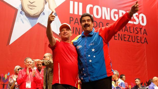 Foto que le enseñó Ramos a Maduro durante la entrevista en Miraflores