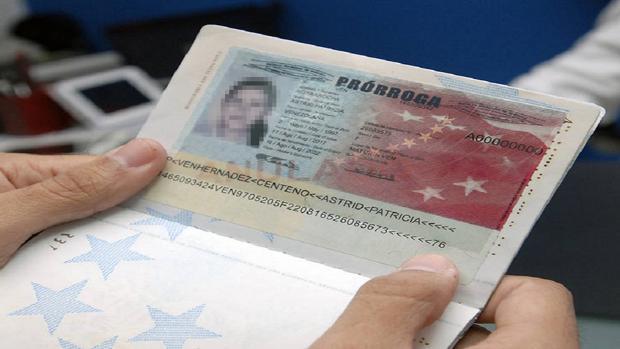 Foto de la prórroga de Nicolás Maduro a los pasaportes venezolanos vencidos