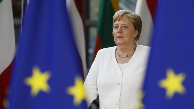La canciller Merkel a su llegada a la cumbre en Bruselas