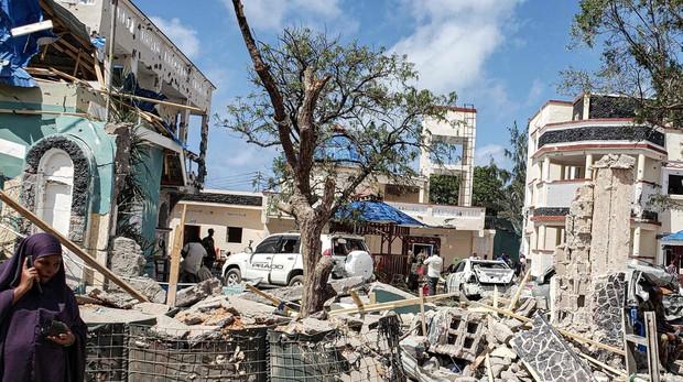 Aspecto de las ruinas del hotel Medina en Kismayo