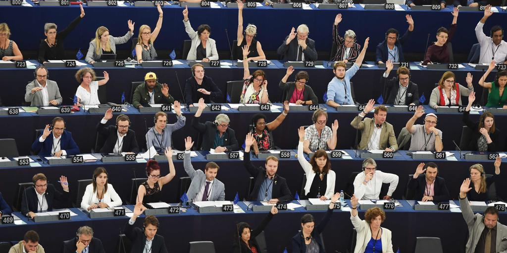 El Parlamento Europeo pide nuevas sanciones contra el régimen de Maduro por su «feroz» represión