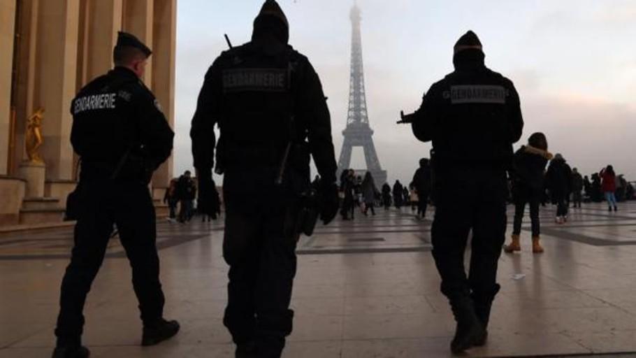 Un hombre, asesinado a tiros con un Kaláshnikov en París