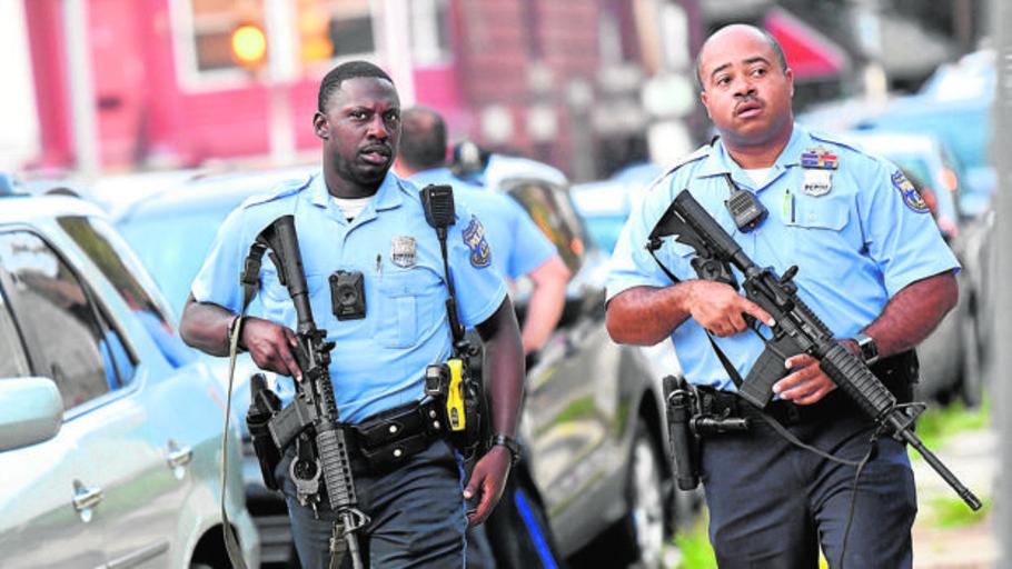 Mantiene en vilo a la Policía de Filadelfia durante siete horas