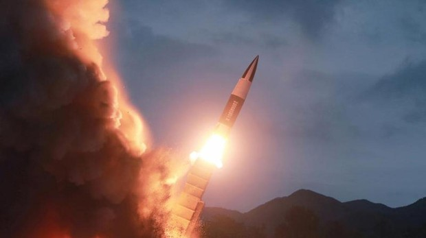 Pyongyang lanza más proyectiles y amenaza con romper el diálogo con Seúl