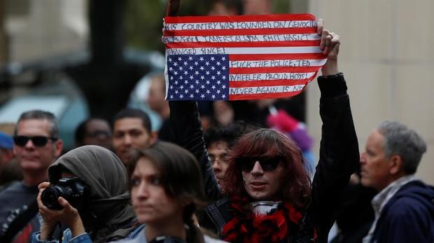 Al menos seis heridos leves y 13 detenidos en Portland durante las protestas