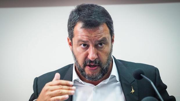 La reacción de Salvini a la decisión de Sánchez: «Quien resiste, vence»