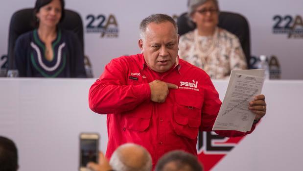 Diosdado Cabello sugiere regresar al «trueque» para fortalecer el bolívar y desterrar el dólar