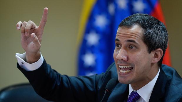 Guaidó nombra su gabinete de «ministros» con Leopoldo López como jefe