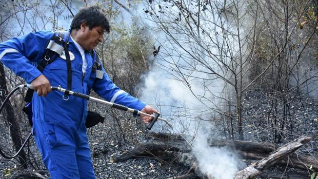 Los incendios en Bolivia «abrasan» a Evo Morales