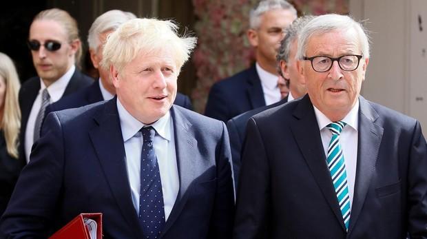 El primer ministro británico, Boris Johnson, y el presidente de la CE, Jean-Claude Juncker, hoy en Luxemburgo