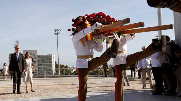 La Habana apenas sabe de la visita de los Reyes de España