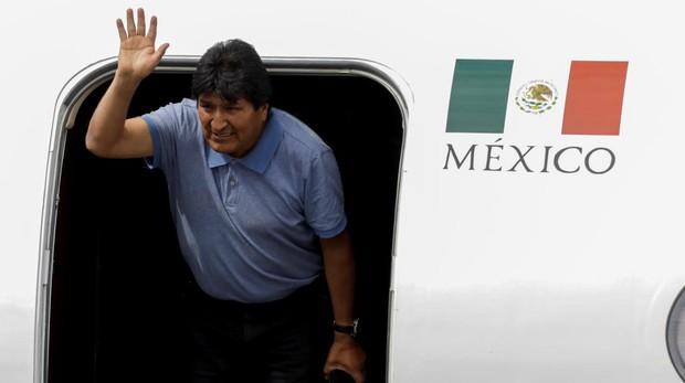 Evo Morales aterriza en México como asilado y da las gracias a López Obrador por «salvarle la vida»