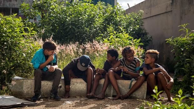 Un millón de niños venezolanos sufren el abandono de sus padres por el éxodo