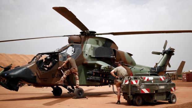 El accidente se produjo por el choque de un helicóptero Tigre, como el que se ve en la imagen, con otro Cougar