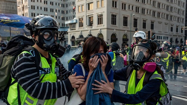 Vuelven las protestas a Hong Kong tras la victoria de la oposición en las municipales