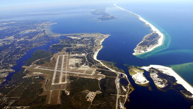 Un estudiante saudí mata a tres personas y hiere a otras ocho en una base naval de Florida