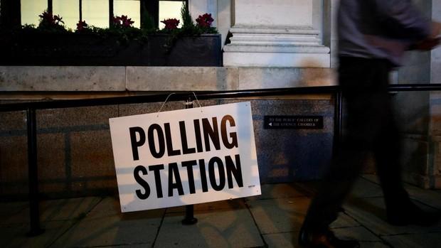 Elecciones Reino Unido en directo: El último sondeo amplía la ventaja de Johnson a 11 puntos