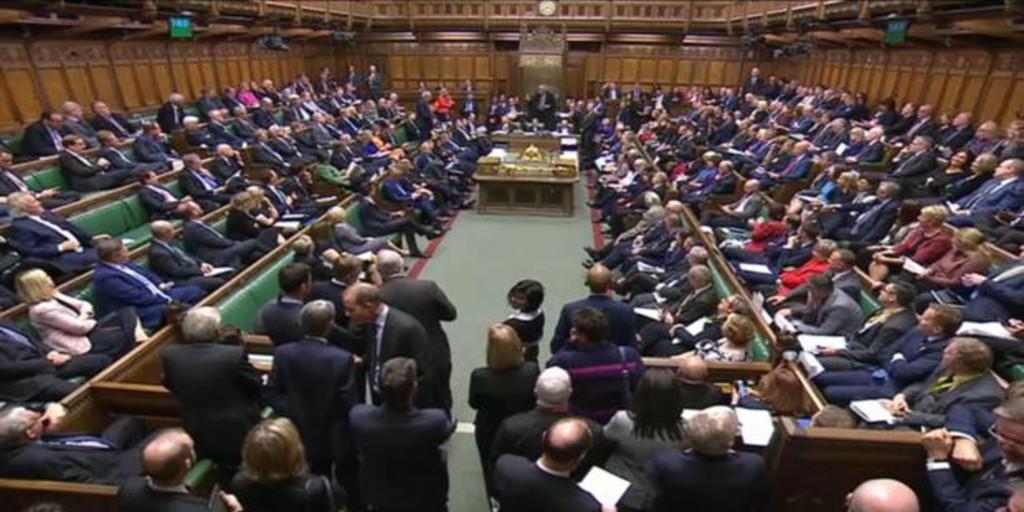 Boris Johnson acelera: sesiones parlamentarias en Navidad para apurar el Brexit