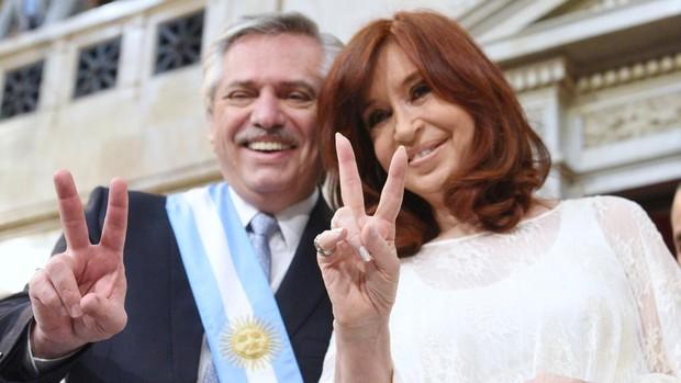 El Gobierno argentino aplica un «shock» económico a las clases medias y jubilados