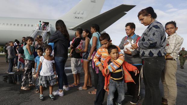 Los venezolanos en el exterior envían remesas por casi 4.000 millones de dólares