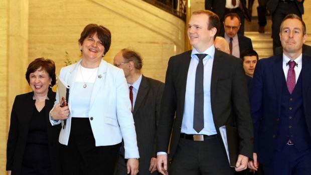 Arlene Foster, nueva ministra principal de Irlanda del Norte tras un histórico pacto