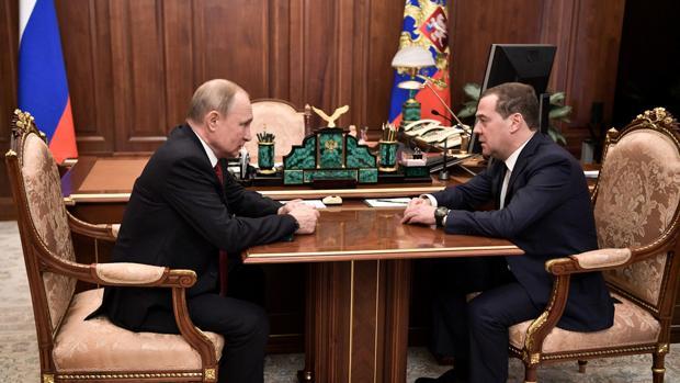 Dimite todo el Gobierno ruso tras anunciar Putin cambios constitucionales en su discurso de la Nación