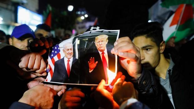 Abbás advierte de que los palestinos no cederán ante el plan de Trump