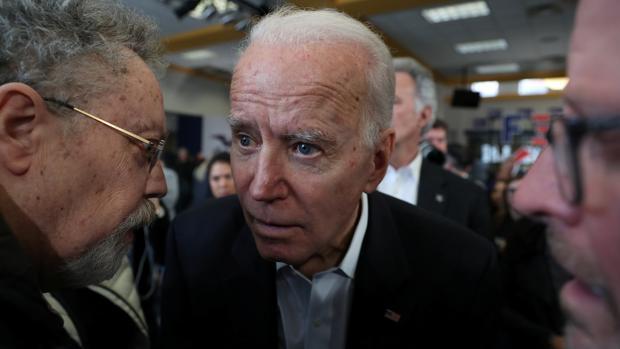 Acusaciones de cambalaches y juego sucio embarran la carreral electoral de los demócratas
