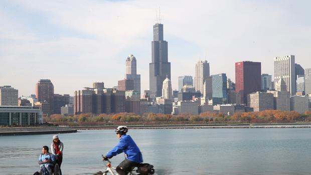 Tres menores heridos, uno de ellos grave, en dos tiroteos accidentales en Chicago (Estados Unidos)