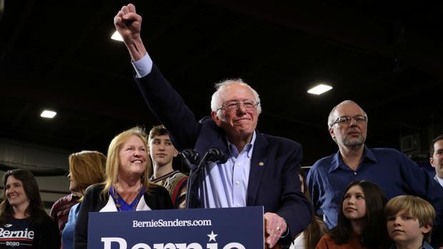 Biden revive en el Supermartes y convierte las primarias demócratas en un duelo contra Sanders