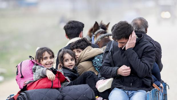 La UE pide a Erdogan que frene la ola migratoria en la frontera