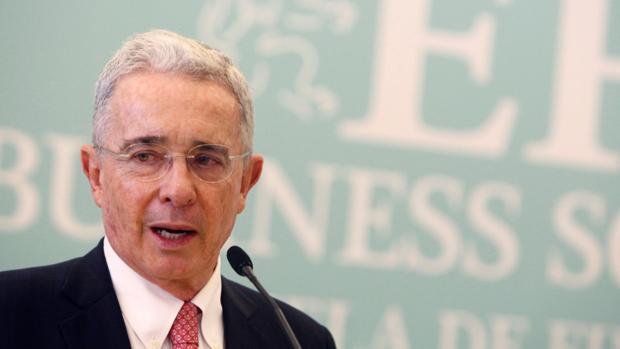La Justicia colombiana investiga a Uribe por la presunta compra de votos para Duque