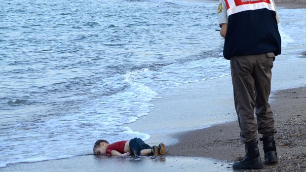 Condenan a 125 años de cárcel a los tres traficantes responsables de la muerte del niño Aylan Kurdi