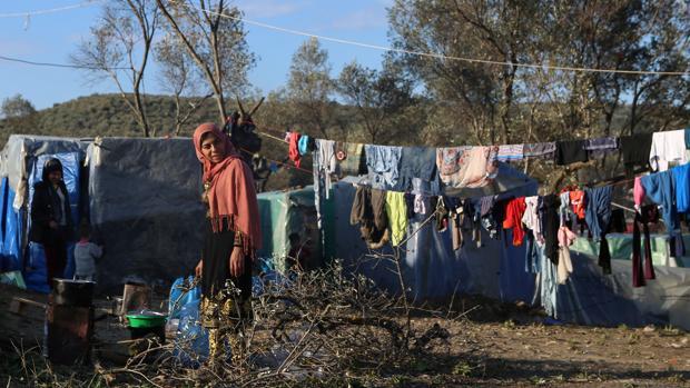 MSF pide la evacuación de los campos de refugiados en Grecia tras un positivo por coronavirus en Lesbos
