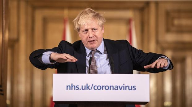 Johnson anuncia un paquete económico de 363.000 millones de euros para frenar el impacto del coronavirus