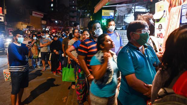 India impone el mayor confinamiento de la historia para frenar el coronavirus