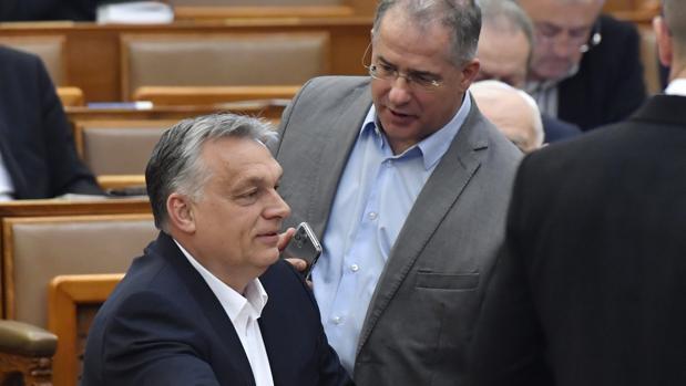 Preguntas y respuestas sobre los poderes ilimitados de Orbán