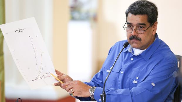 Maduro impone el toque de queda en un estado fronterizo con Colombia