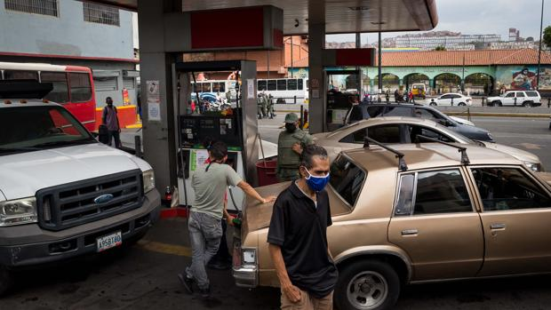 La Venezuela petrolera quiebra por el coronavirus y las sanciones de EE.UU.