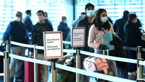 Los austriacos recuperan su «libertad» tras mes y medio de confinamiento