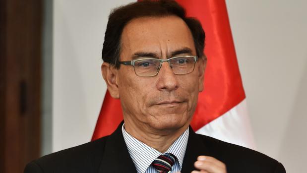 El presidente de Perú y sus ministros se bajan el sueldo durante tres meses para hacer frente al coronavirus