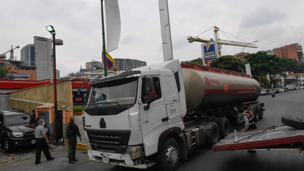 La Asamblea de Guaidó rechaza el aumento del precio de la gasolina anunciado por Maduro
