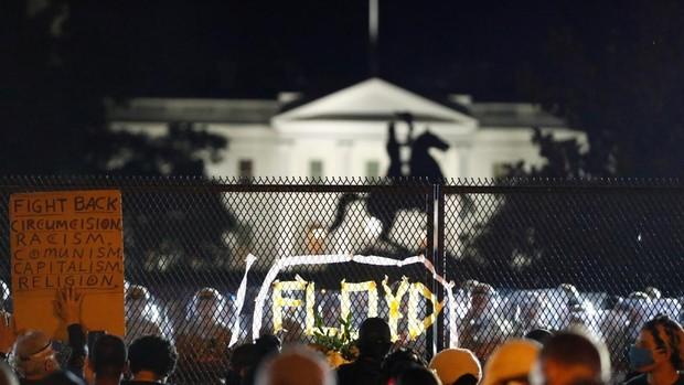 Las protestas no amainan en EE.UU. e incluyen caceroladas