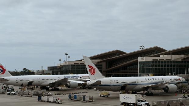 EE.UU. suspende vuelos de China