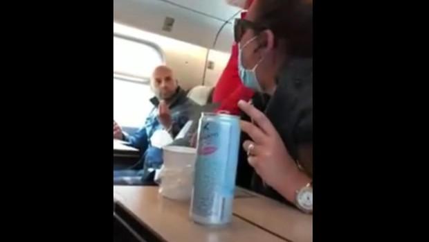 Un pasajero italiano sin mascarilla desencadena una violenta pelea en un tren